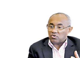محمد الشريعي: الاتحاد الأفريقي بيصرف ملايين الدولارات في أمور تافه