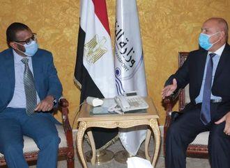 وزيرا النقل المصري والسوداني يبحثان دراسة الجدوي للربط السككي بين الدولتين